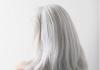 assumindo os cabelos brancos
